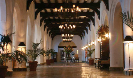 Montauk Manor, a condominium resort hotel — lobby